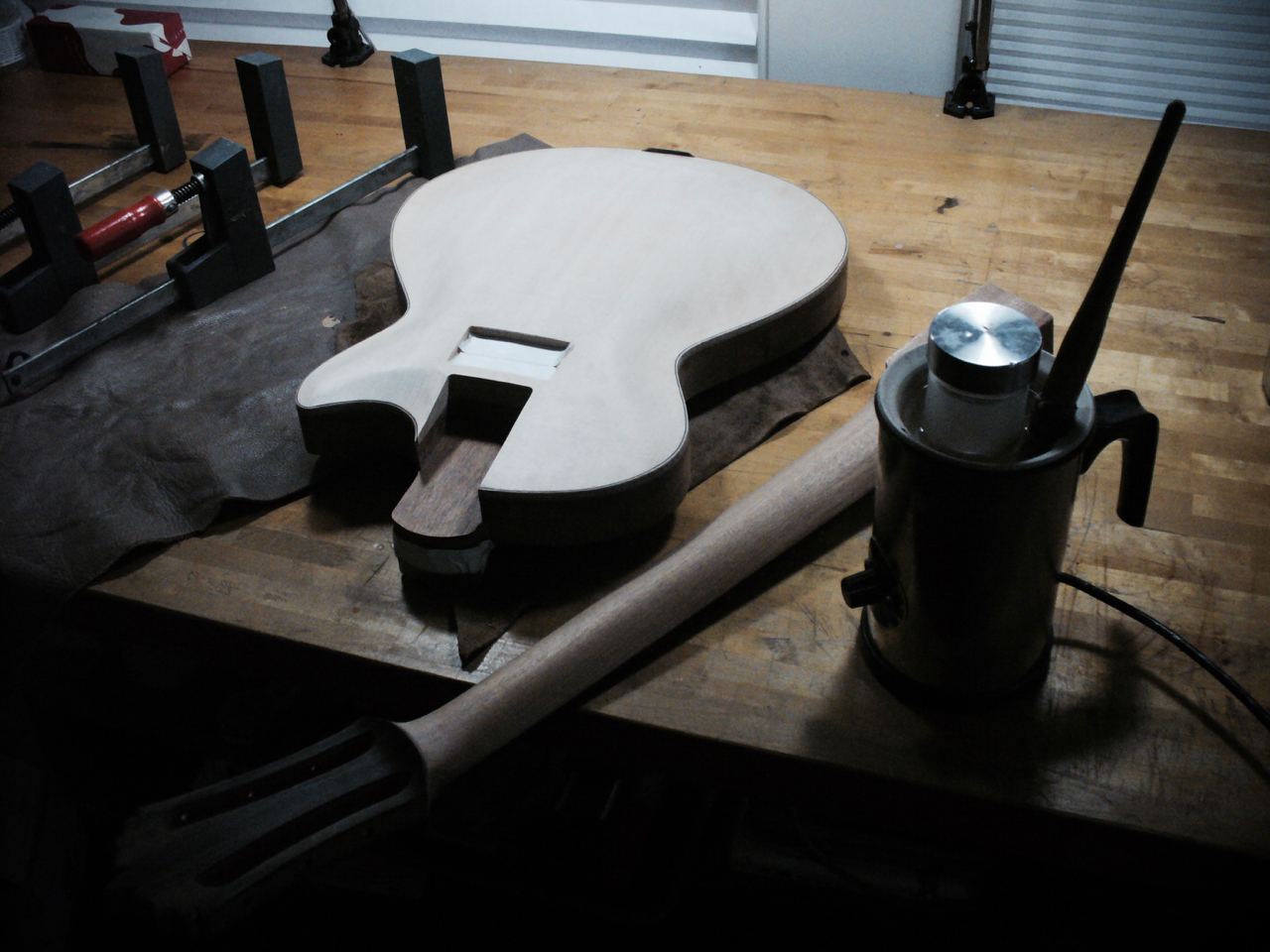 Neck Glueing - 3